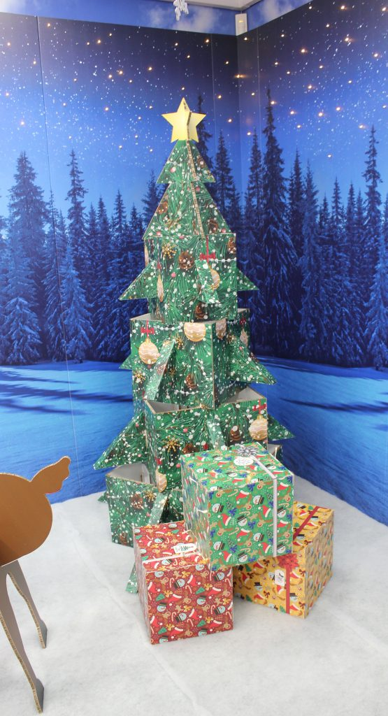 Eco-friendly christmas tree and presents